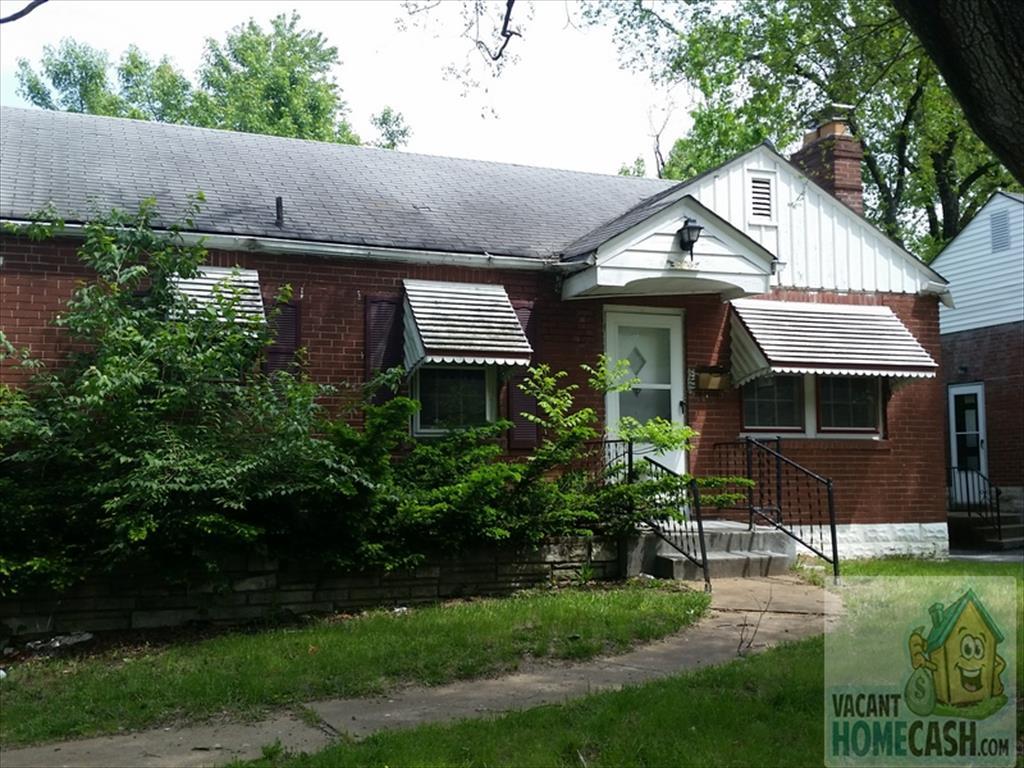 304 Newell Dr, Saint Louis, MO