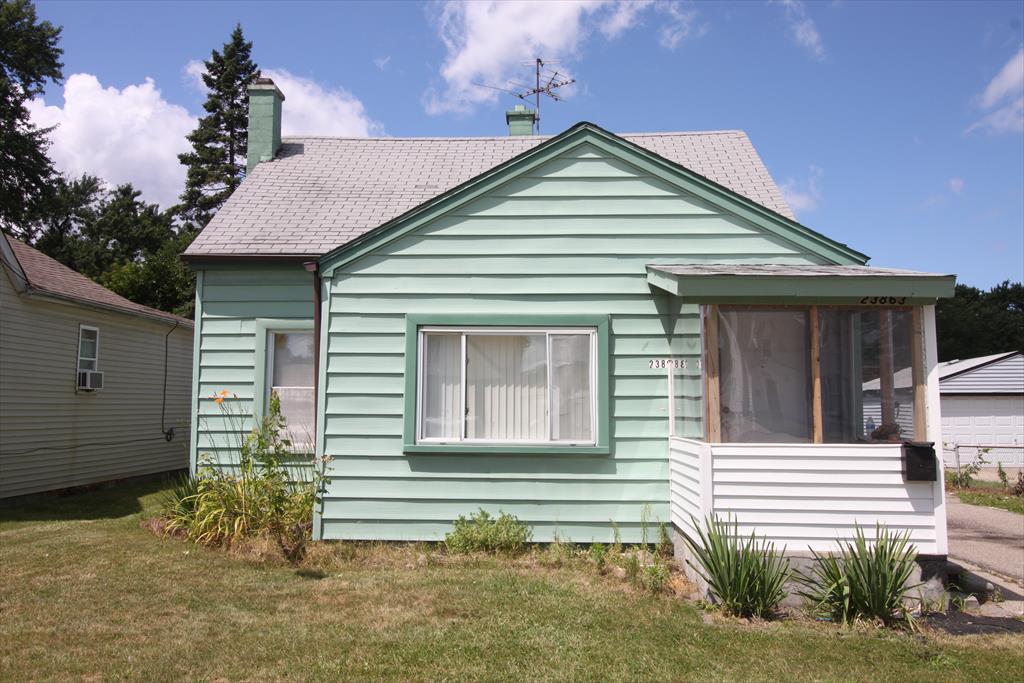 23863 Dormont Ave, Warren, MI