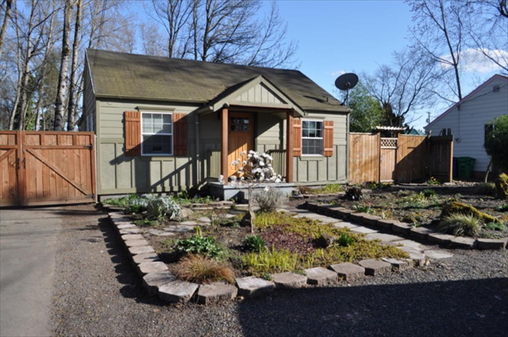 9410 NE Gertz Ct, Portland, OR