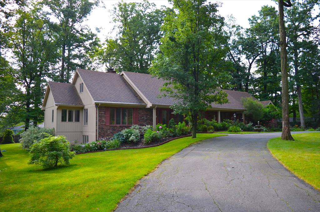 AUCTION! 1731 Dell Cove Dr., Fort Wayne, IN