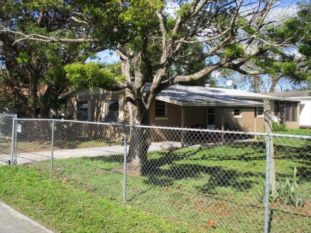 2111 Dixie Ave, Sanford, FL