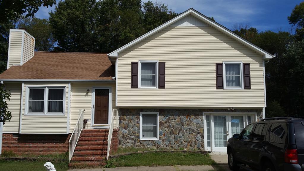 2201 oakmont ct, Greensboro, NC