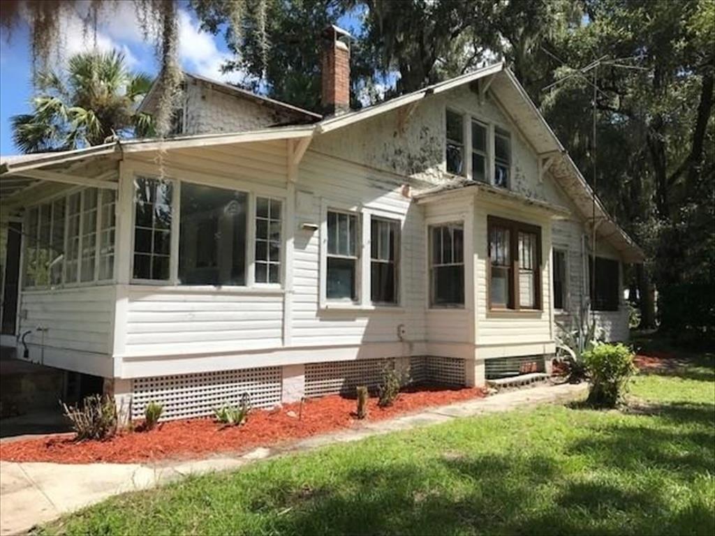 301 N Oak Ave, Orange City, FL