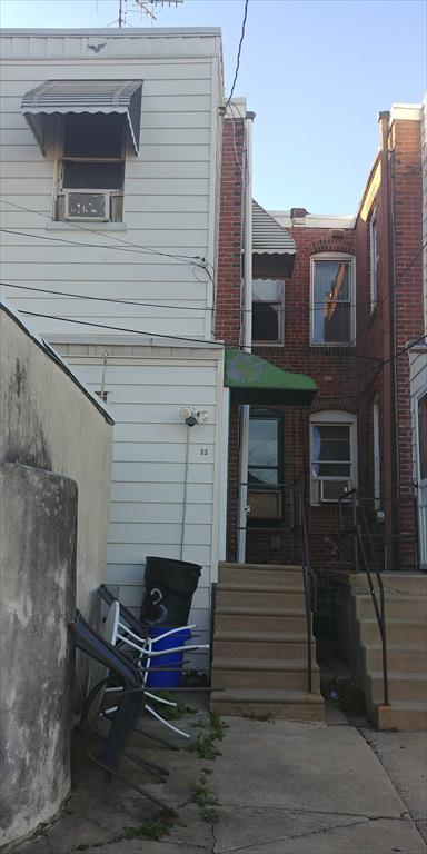 33 N State Rd, Upper Darby, PA