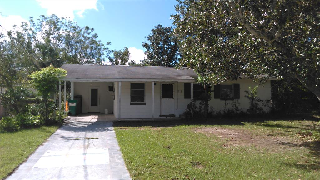 705 Jewell St, Fruitland Park, FL