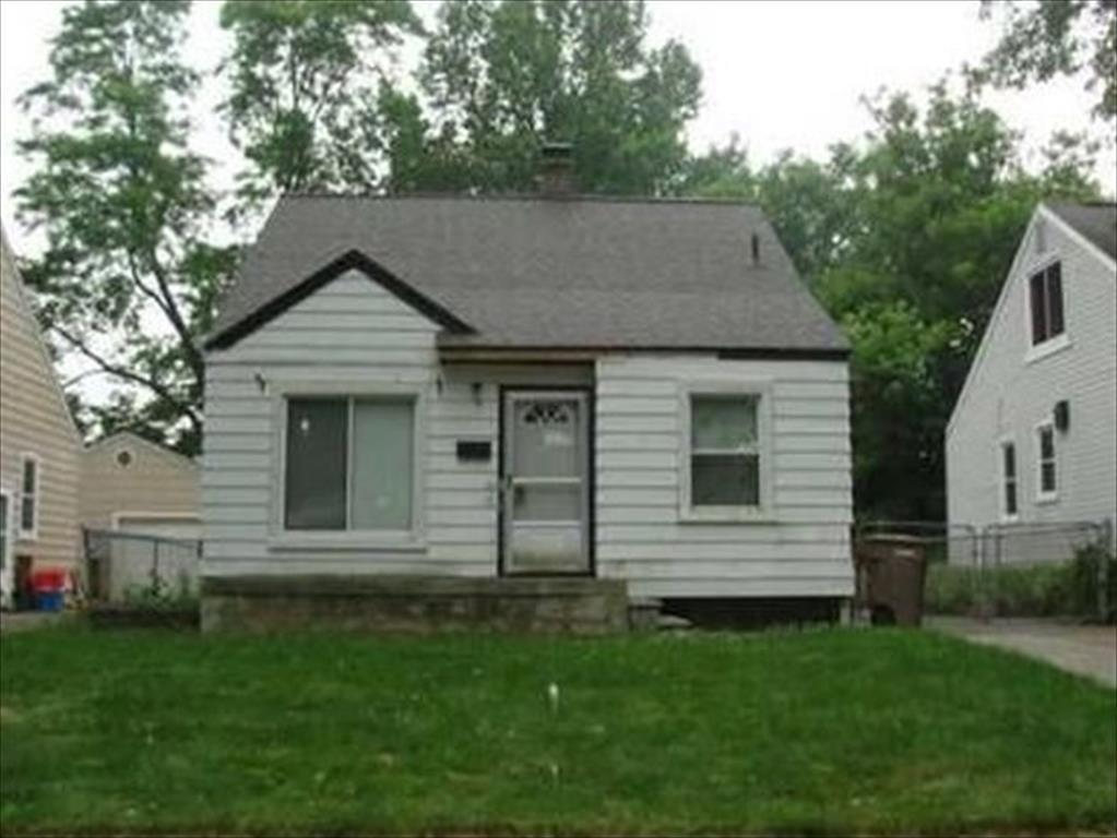 136 W Hopkins Ave, Pontiac, MI