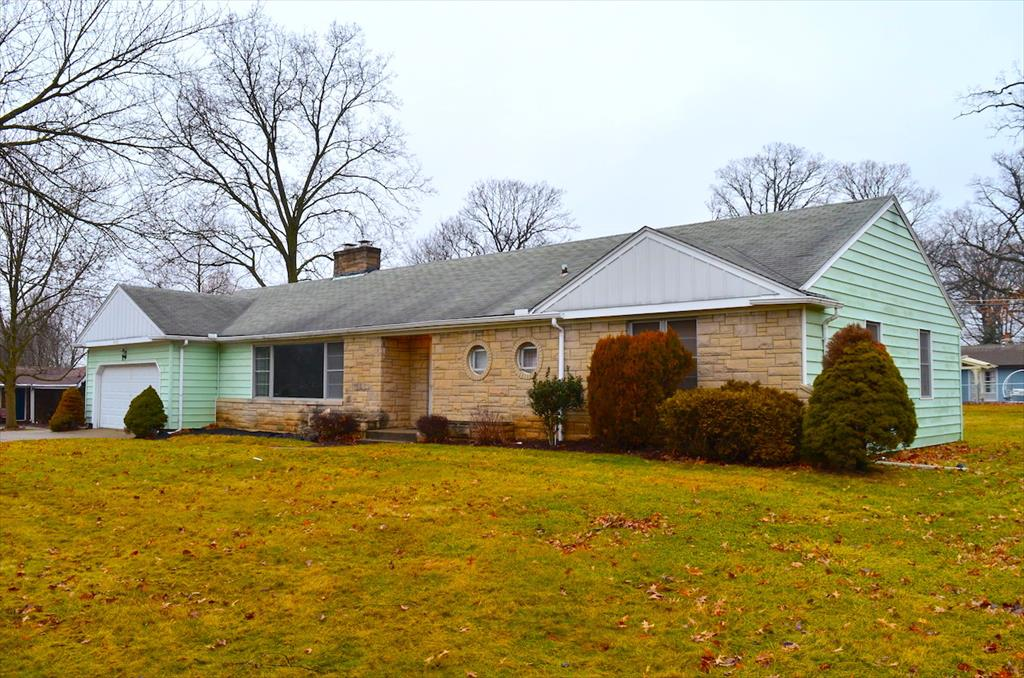 AUCTION! 6731 Lawnwood Dr, Fort Wayne, IN
