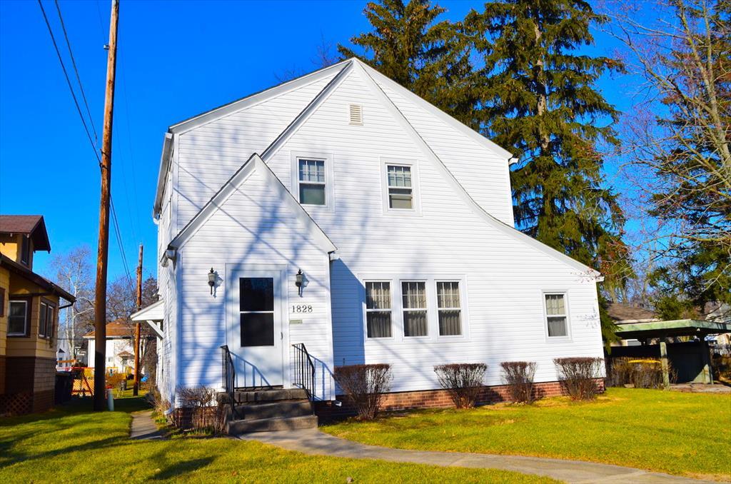 AUCTION! 1828 Lawndale Dr, Fort Wayne, IN