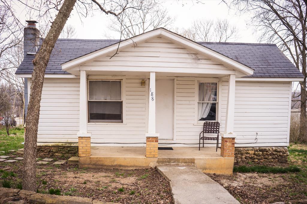 188 Walnut St, Hollister, MO