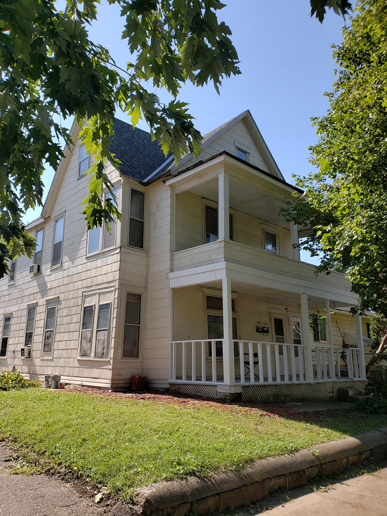 324-326 Charles Ave, Saint Paul, MN