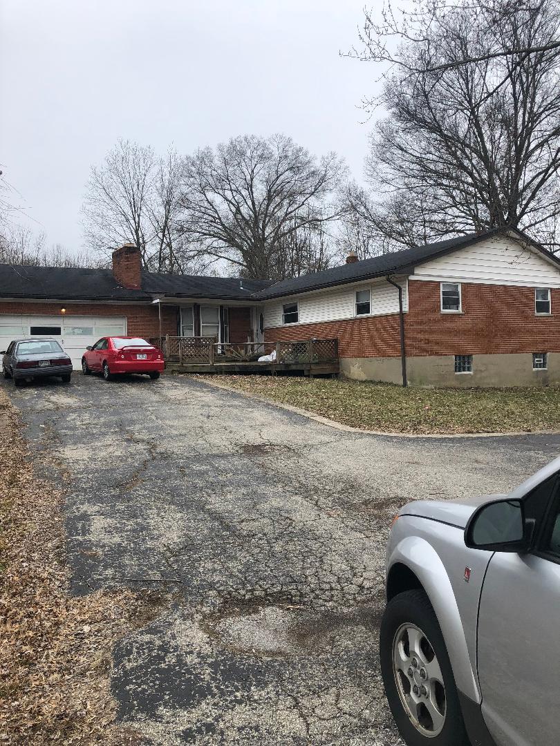 1055 Clough Pike, Cincinnati, OH