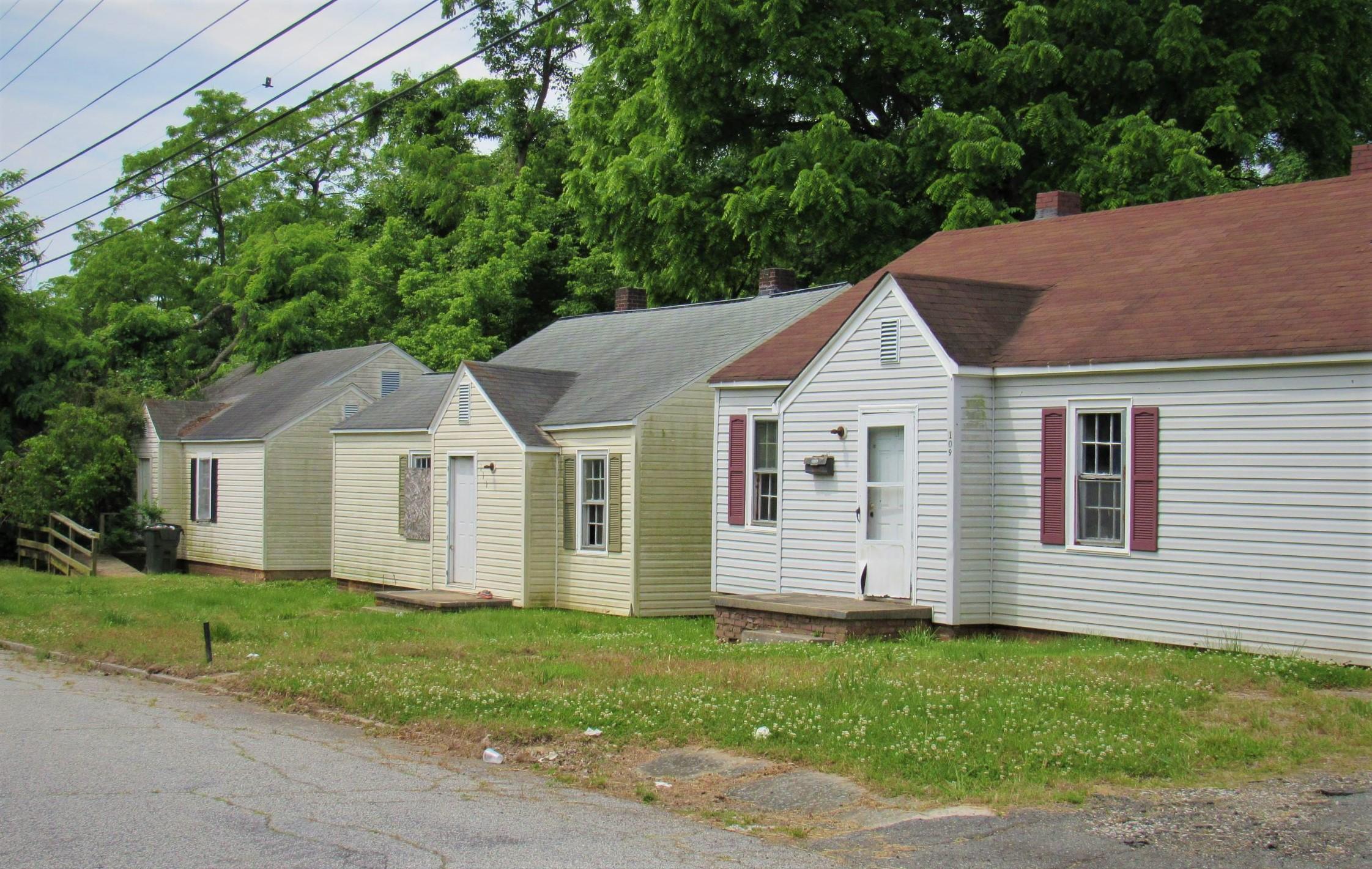 99 S Cecil St, Lexington, NC