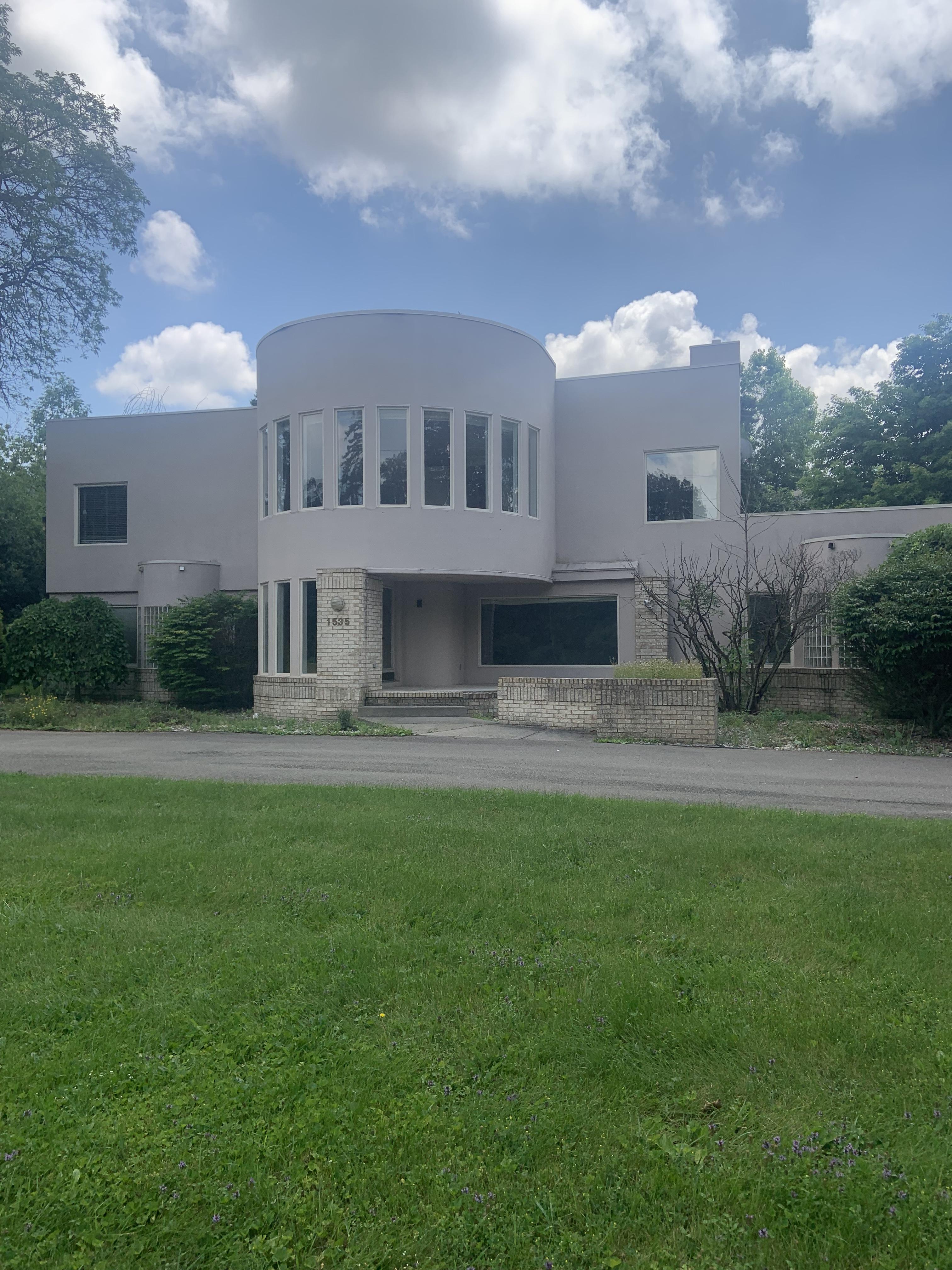 1535 W Long Lake Rd, Bloomfield Hills, MI