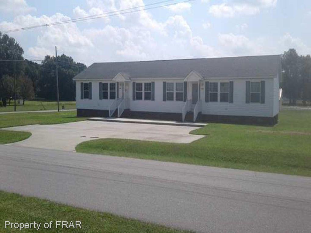 108 E Pleasant St, Roseboro, NC
