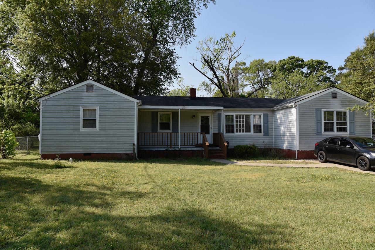 3815 E Shepard St, Fayetteville, NC