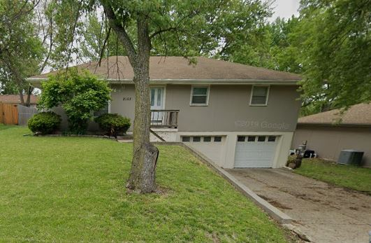 2103 N Leonard Rd, Saint Joseph, MO