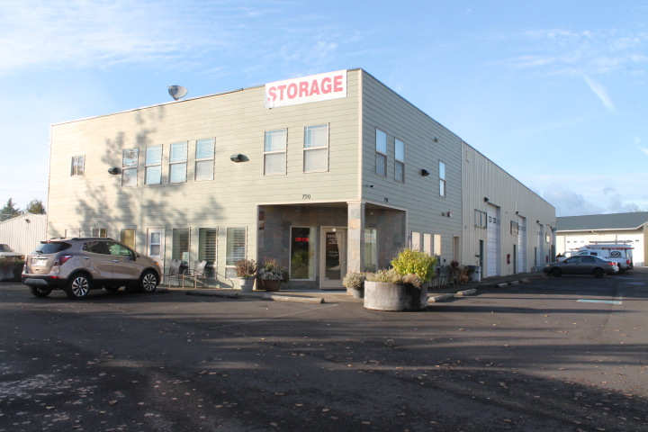790 30th Commerce Park, Springfield, OR