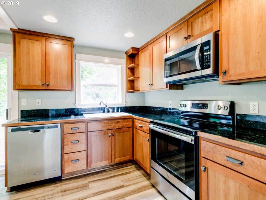1395 Sunny Dr (Image - 2)