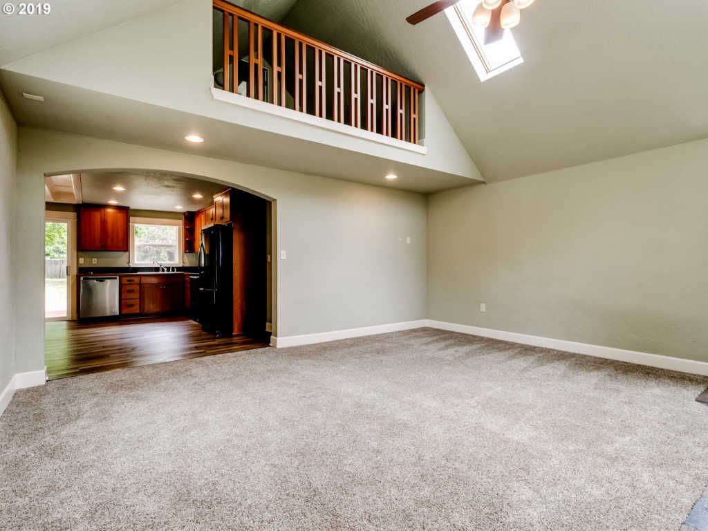 1395 Sunny Dr (Image - 3)