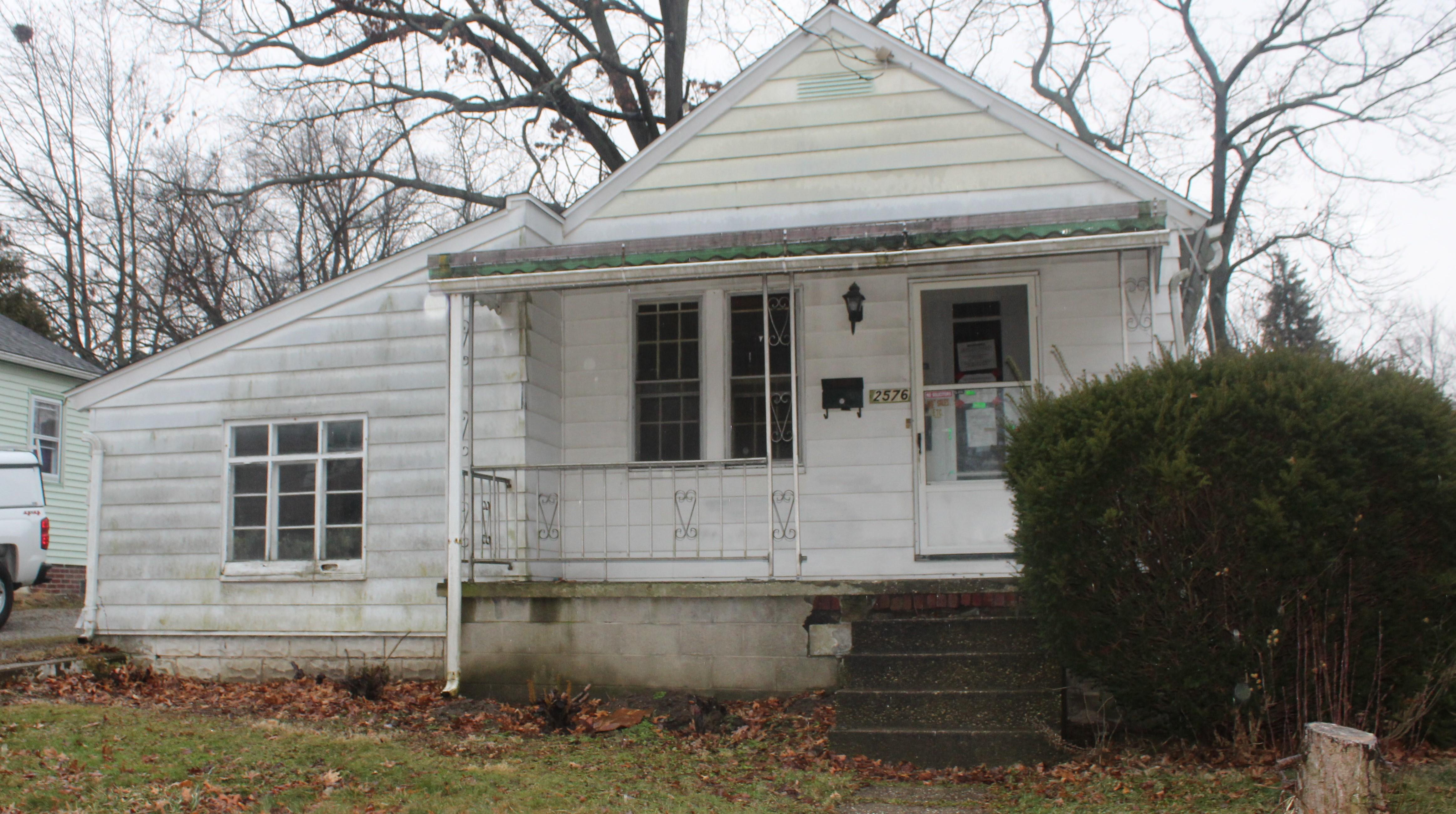 2576 Shelburn Ave, Akron, OH