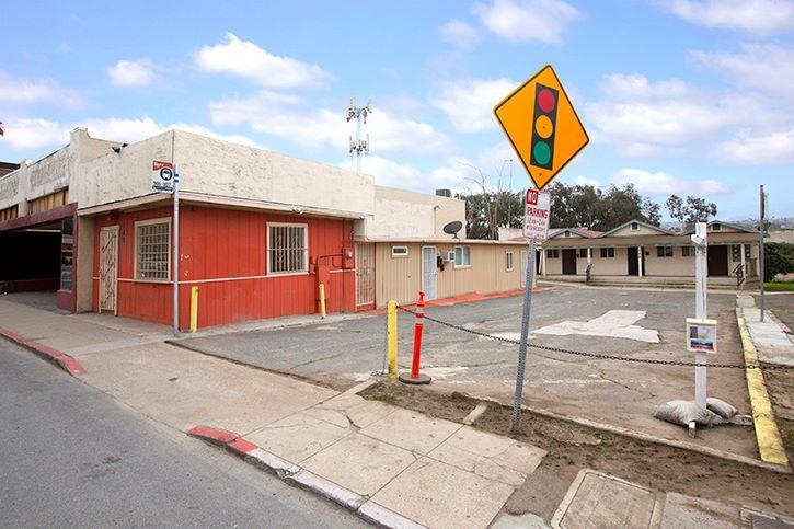 140-142 W. San Ysidro Blvd, San Ysidro, CA