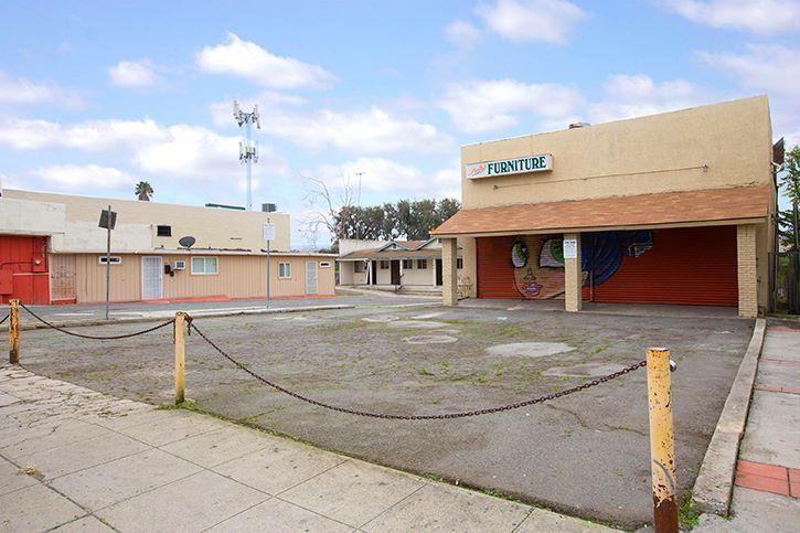 144-146 W. San Ysidro Blvd. (Image - 3)
