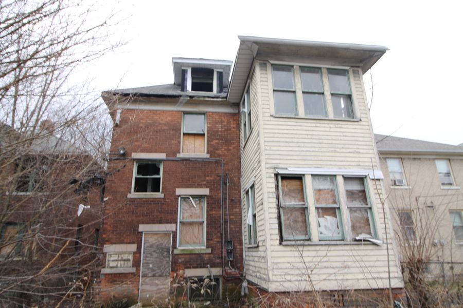 2268 Clairmount Ave, Detroit, MI
