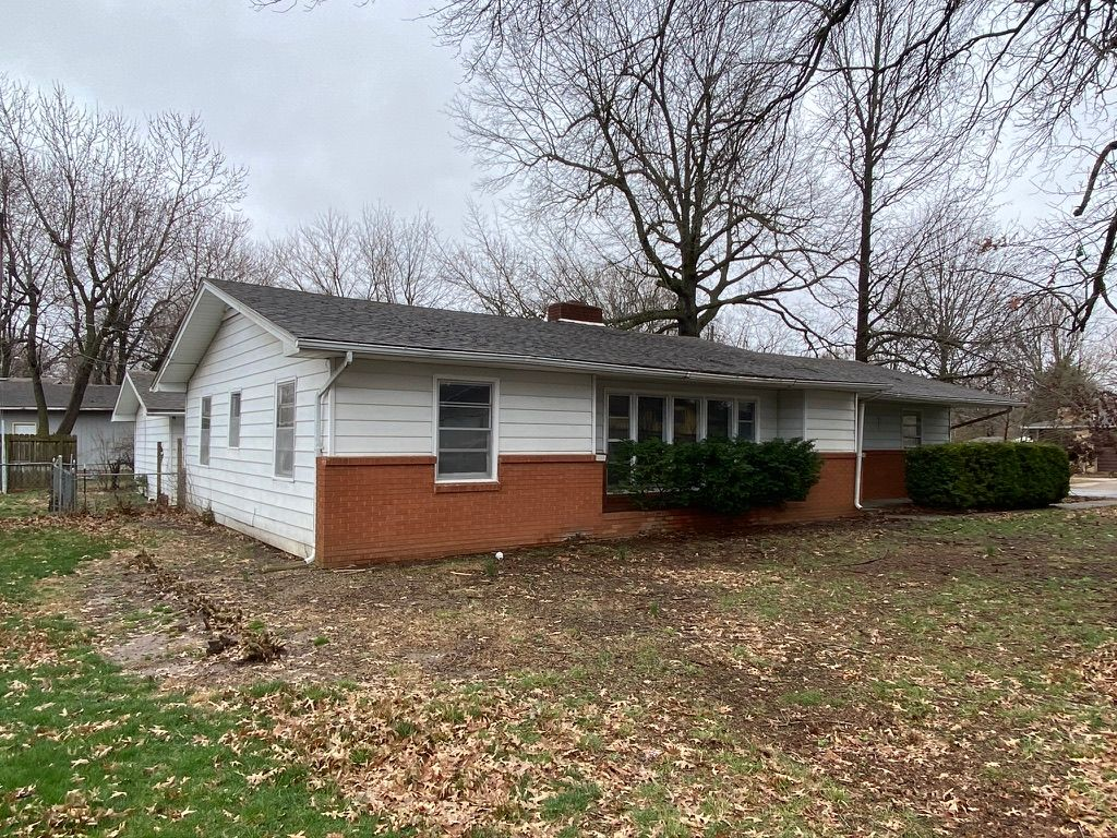 906 N Belview Ave, Springfield, MO