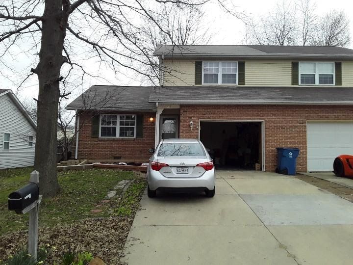 103 Twin Oaks Dr, Belleville, IL