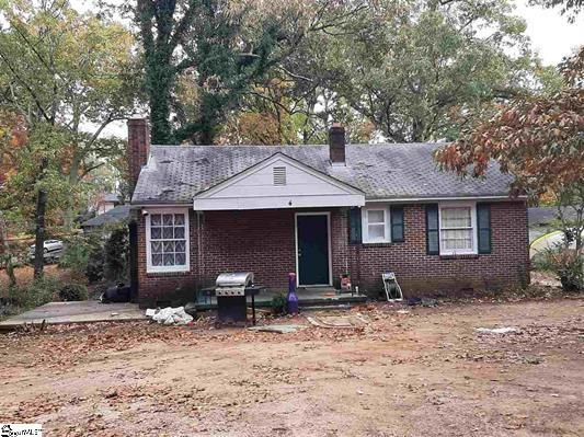 4 Hillside Ln, Greenville, SC