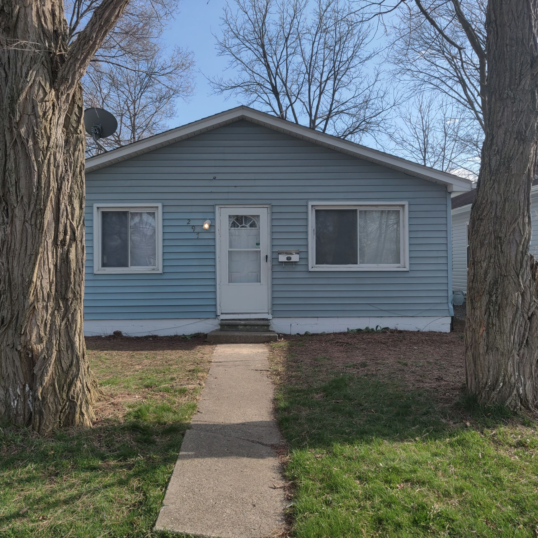 297 Fisher Ave, Pontiac, MI