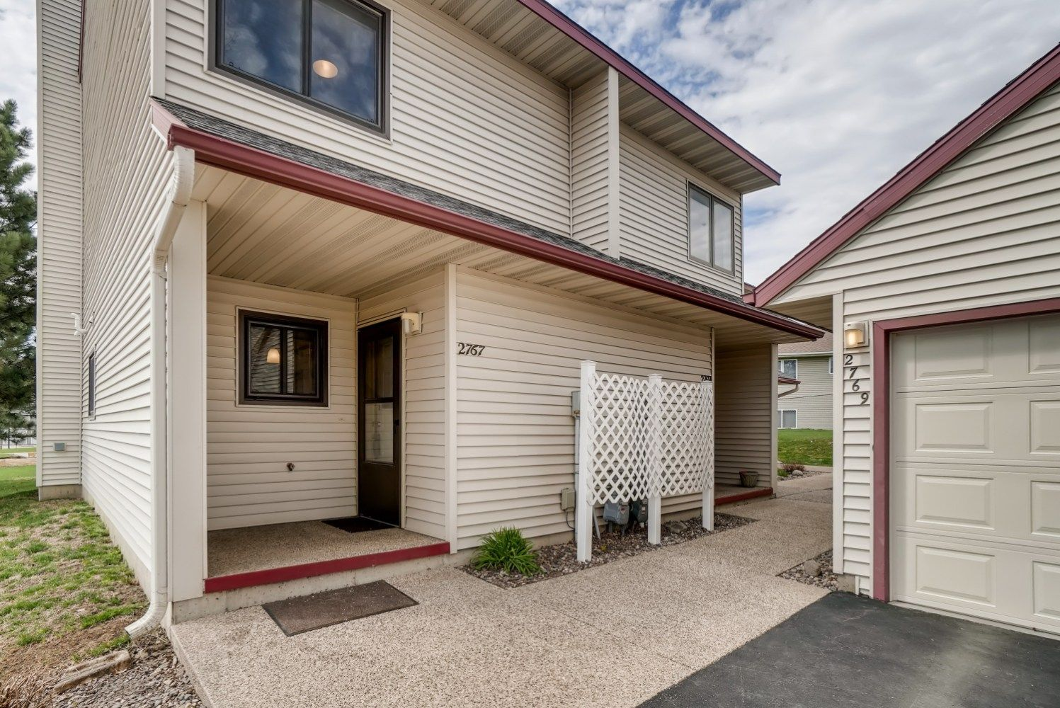 2767 Charles Ct NW, Rochester, MN