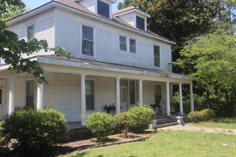 221 E Covington St, Laurinburg, NC