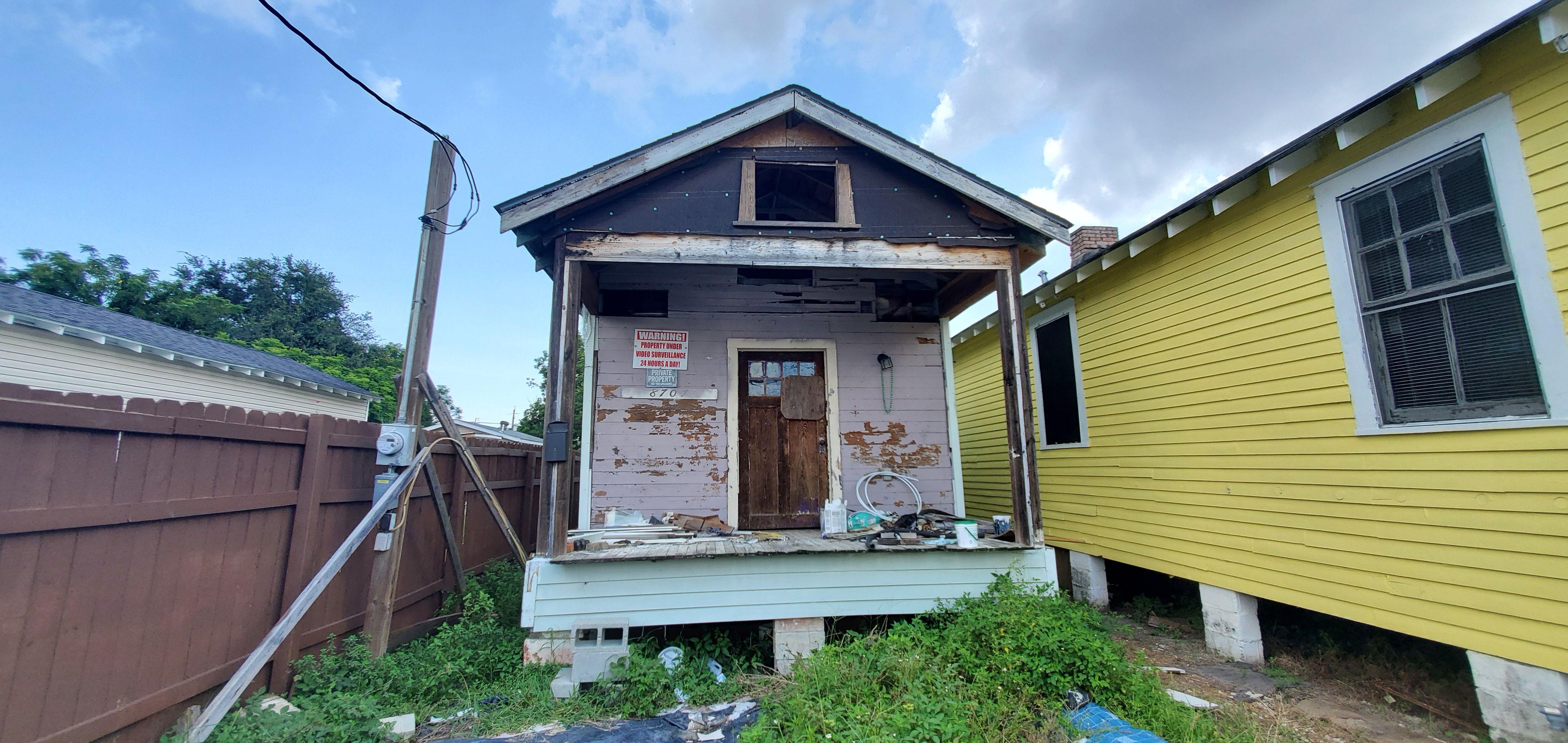 8707 Apple St, New Orleans, LA