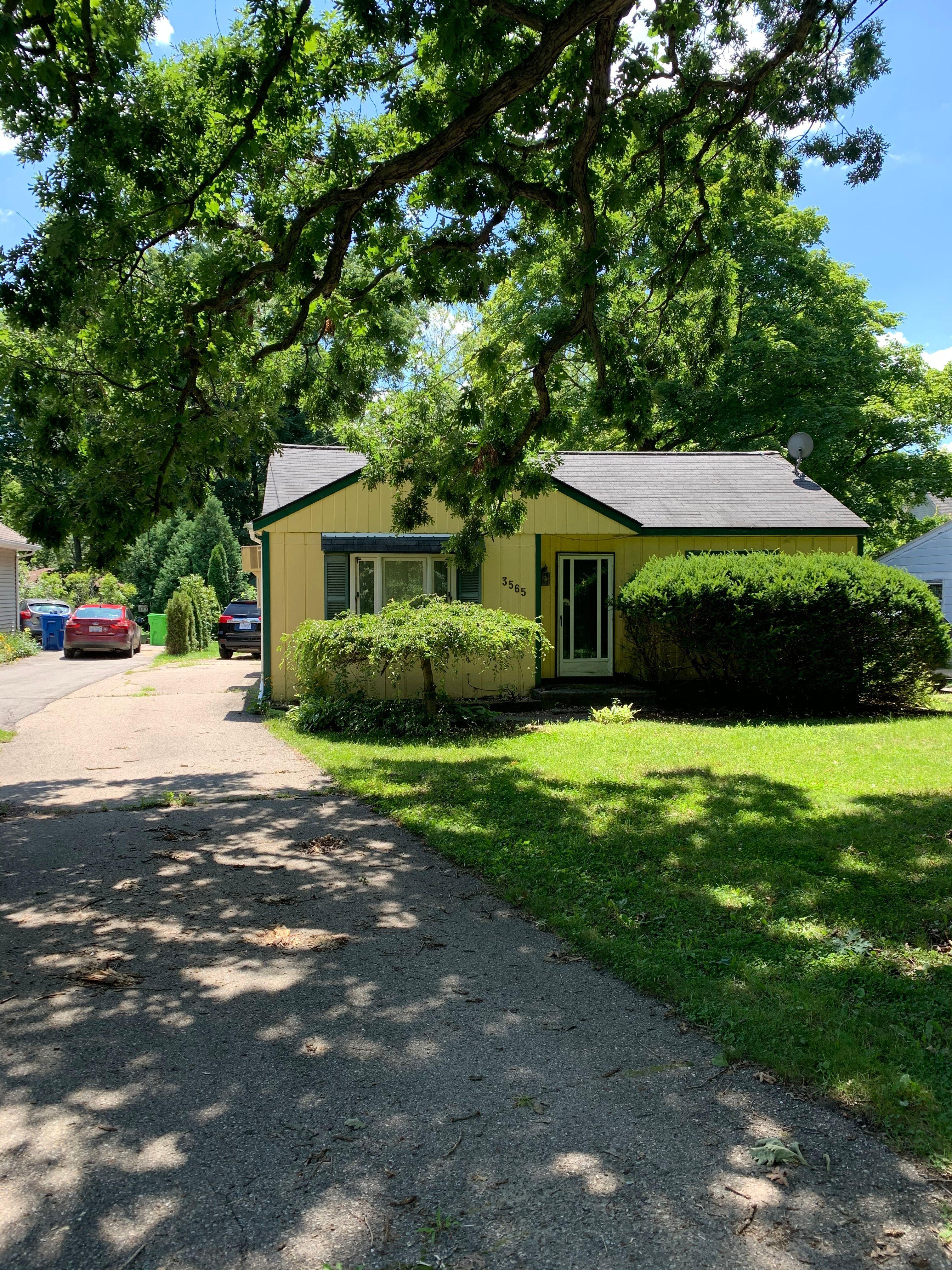 3565 Watkins Lake Rd, Waterford Township, MI
