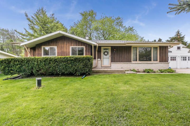 5115 Shirley Ave, Mount Pleasant, WI