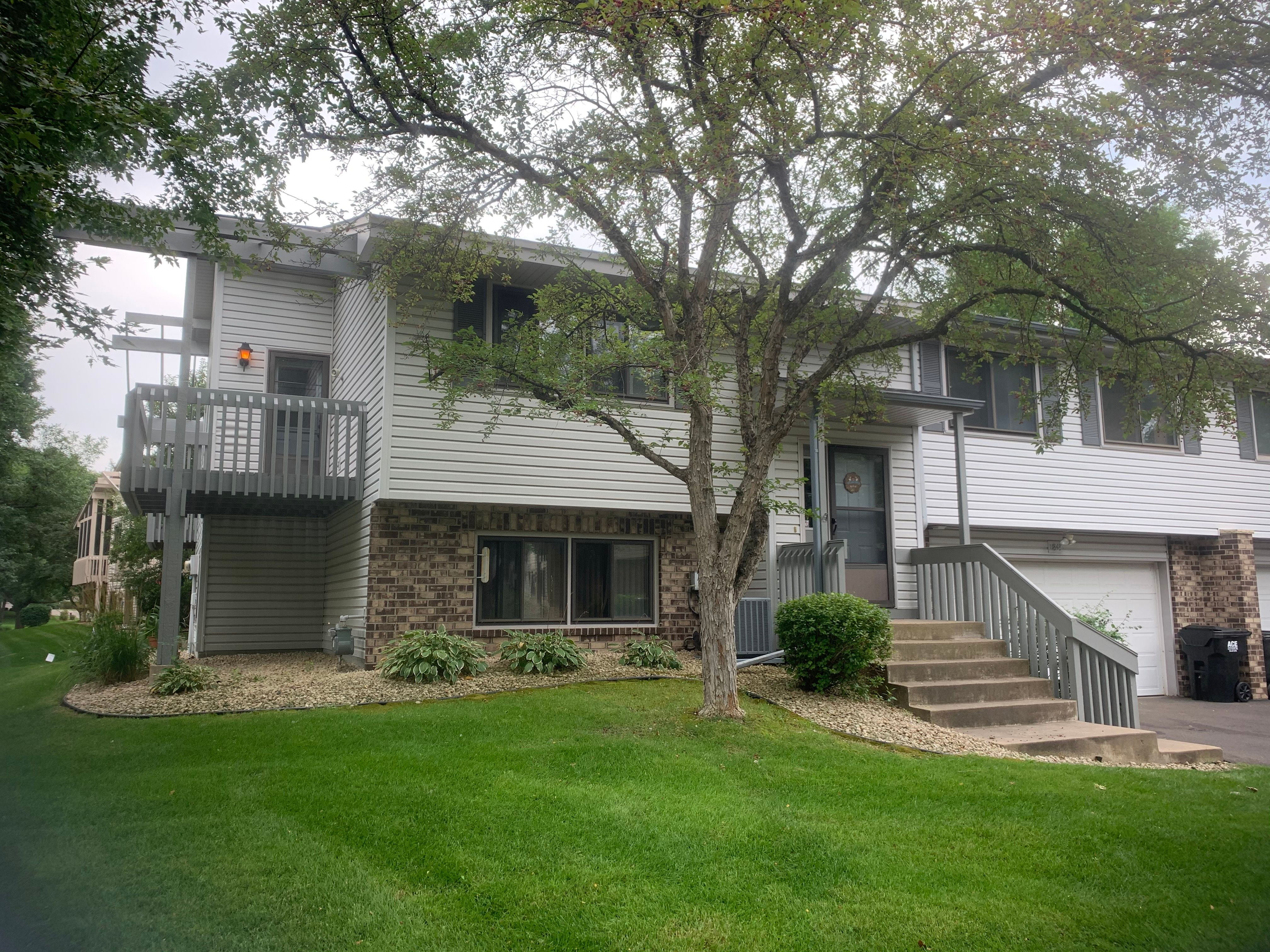 11848 Undercliff St NW, Coon Rapids, MN