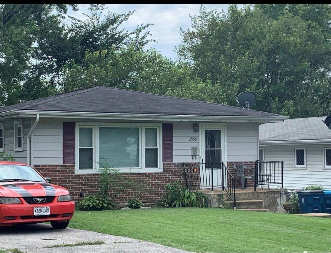 2556 Shirley Ave, Jennings, MO