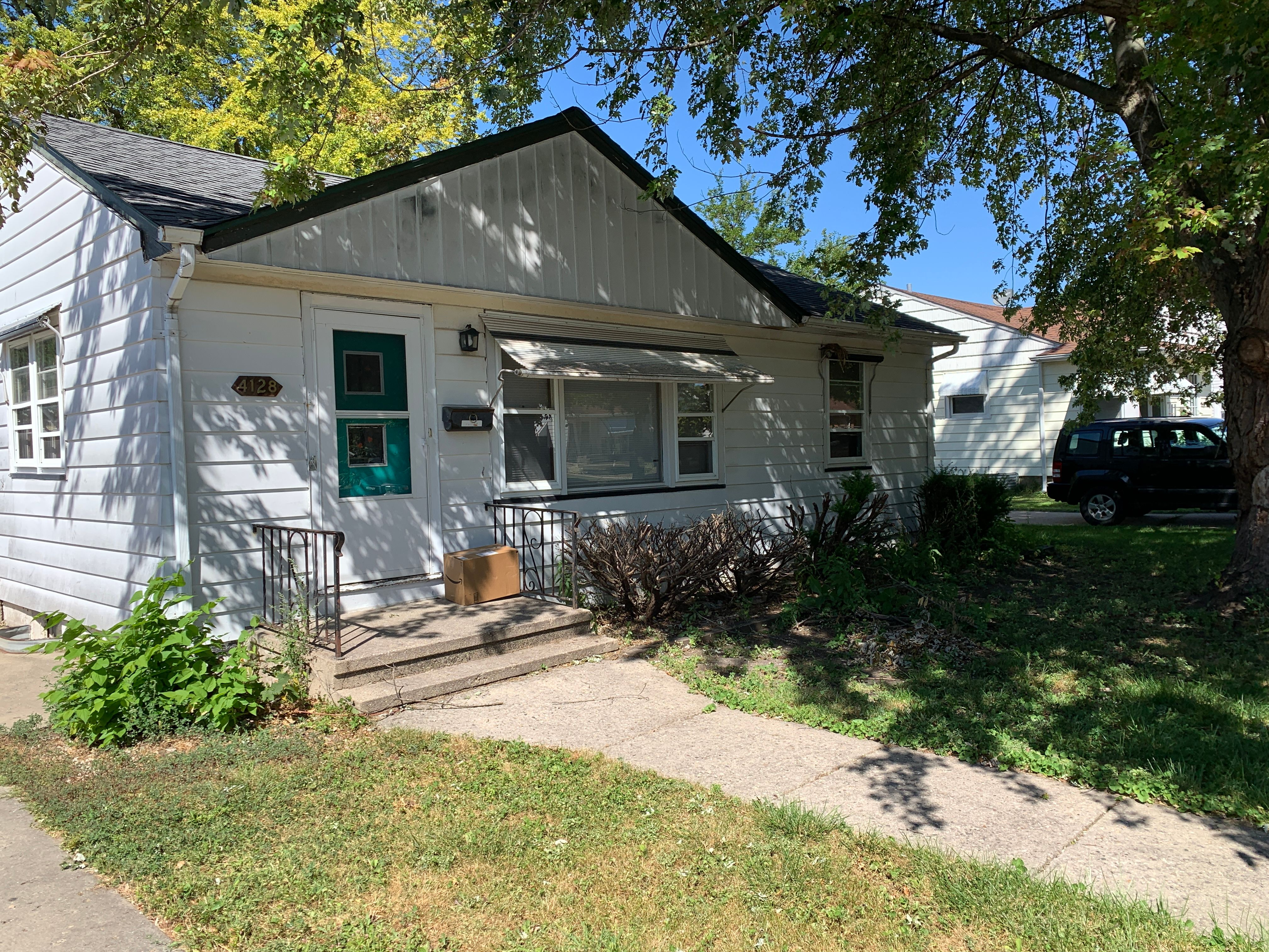 4128 23rd Ave (Image - 1)