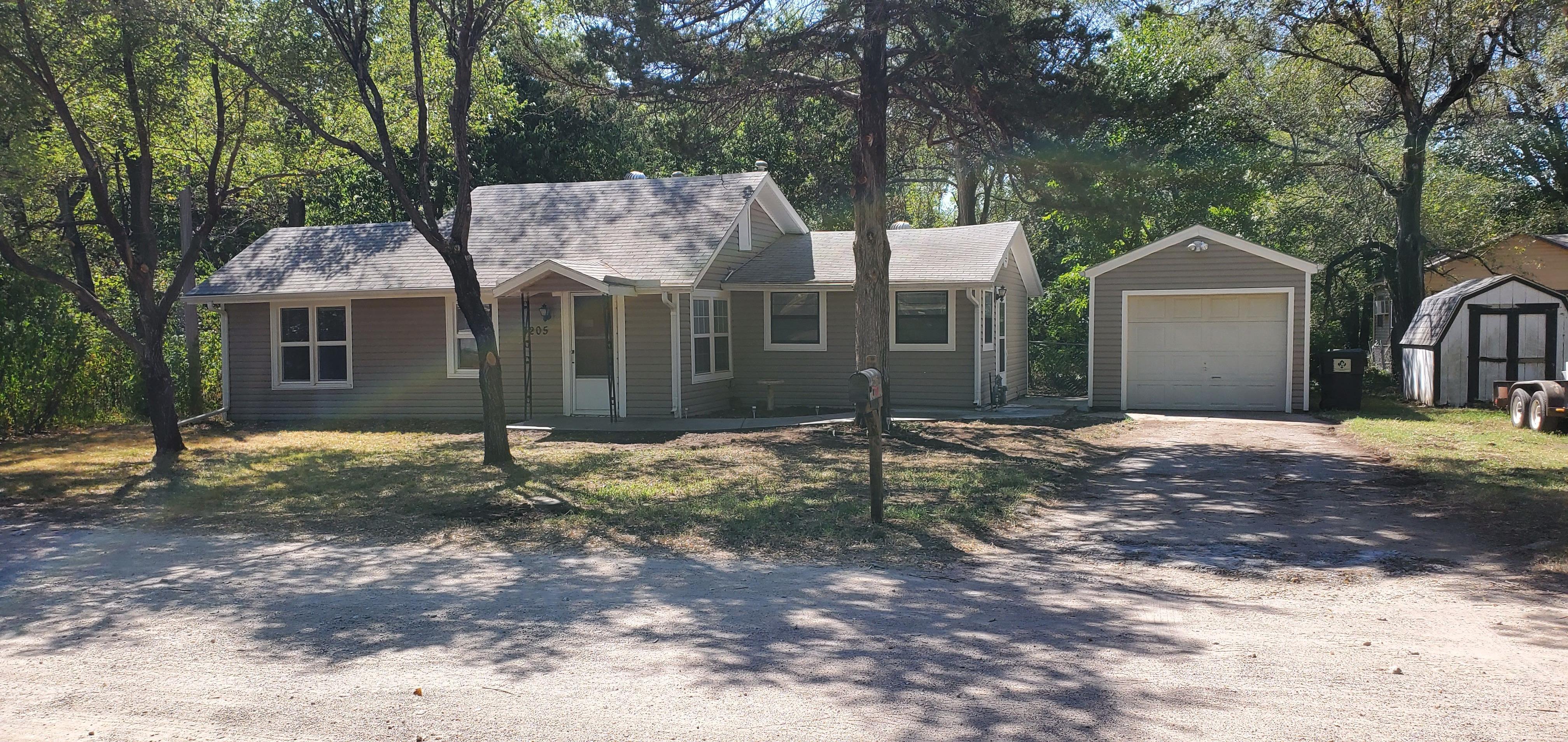 3205 W 11th St N, Wichita, KS