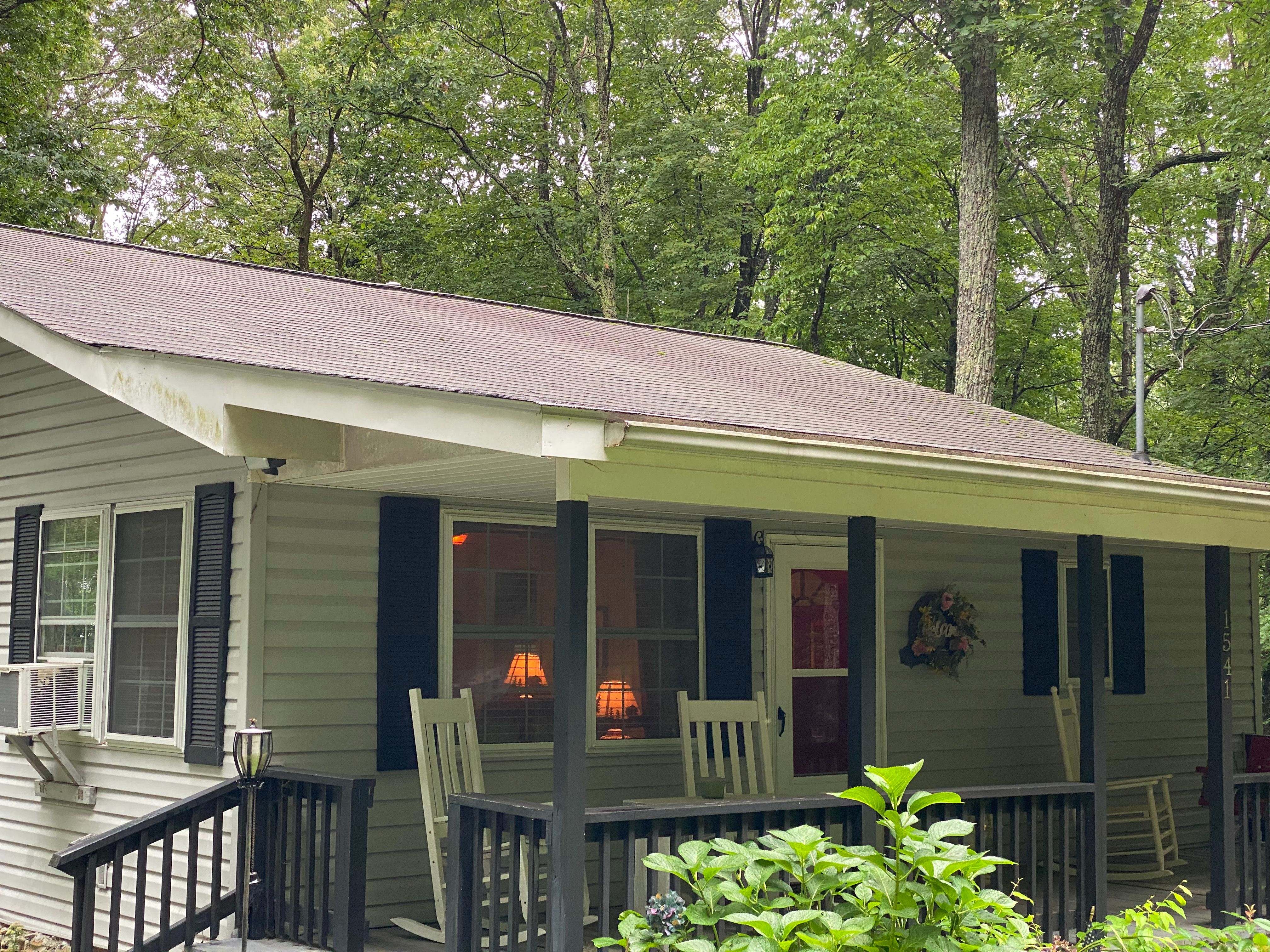 1541 Hickory Acres Rd, Hendersonville, NC