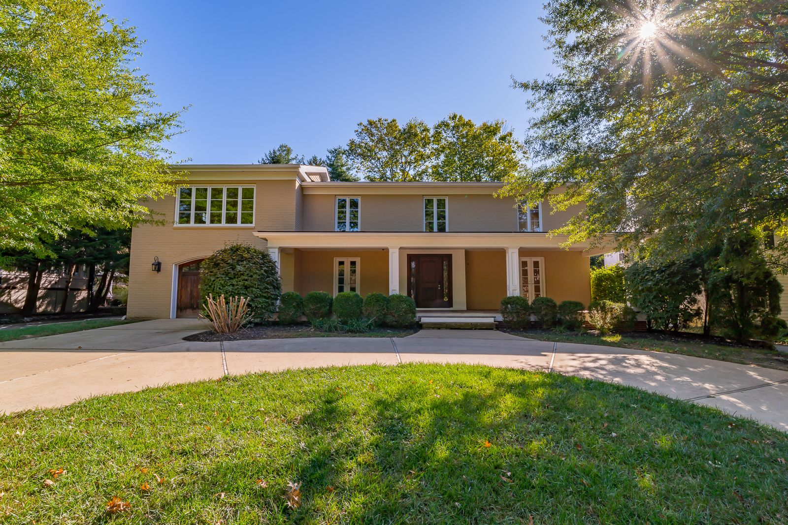 713 Braeview Rd, Louisville, KY
