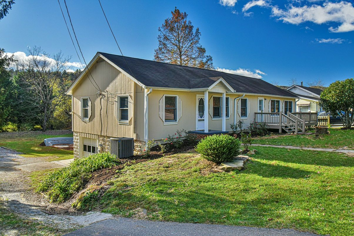 6708 Asheville Hwy, Pisgah Forest, NC