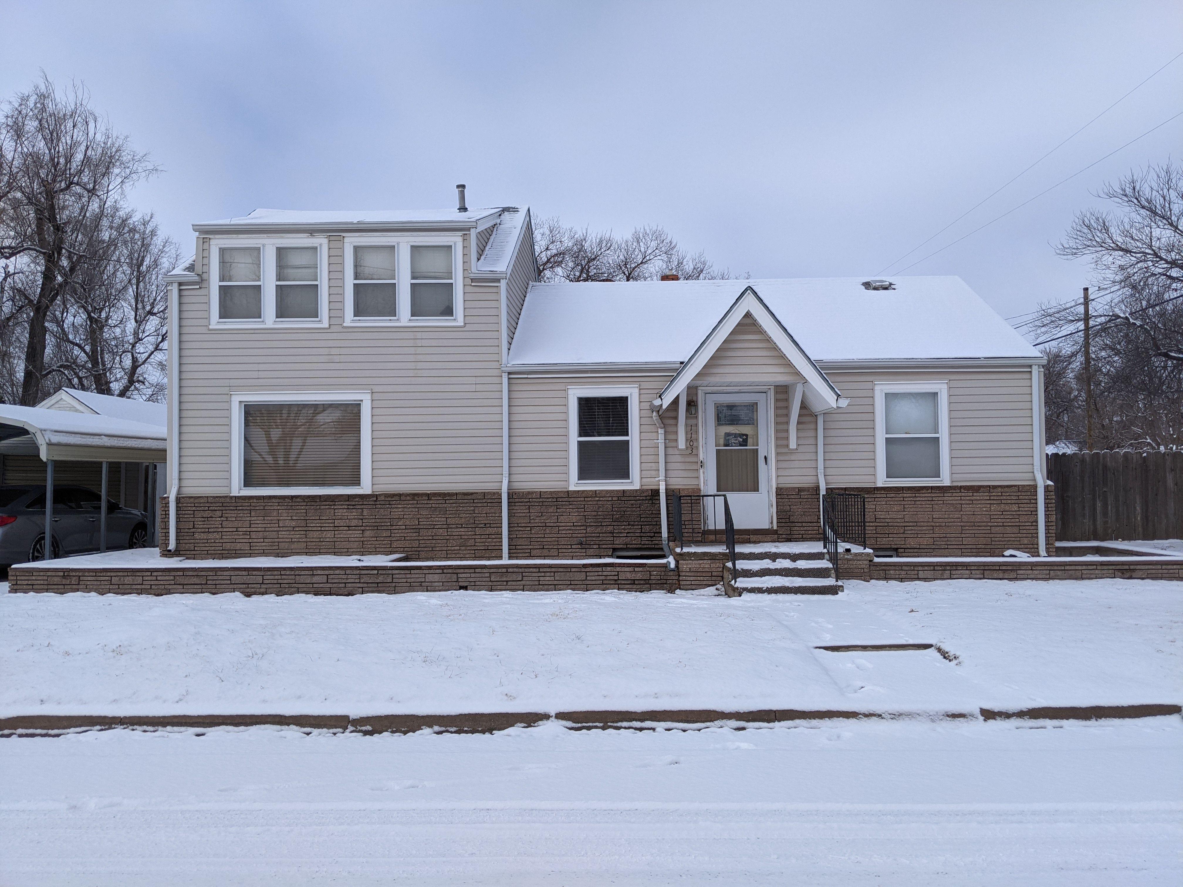 1103 N Van Buren St, Hutchinson, KS
