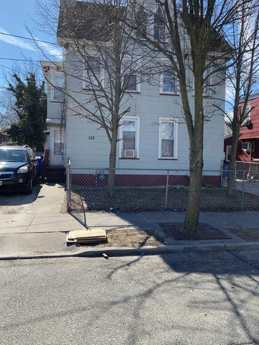 135 W Broad St, Millville, NJ