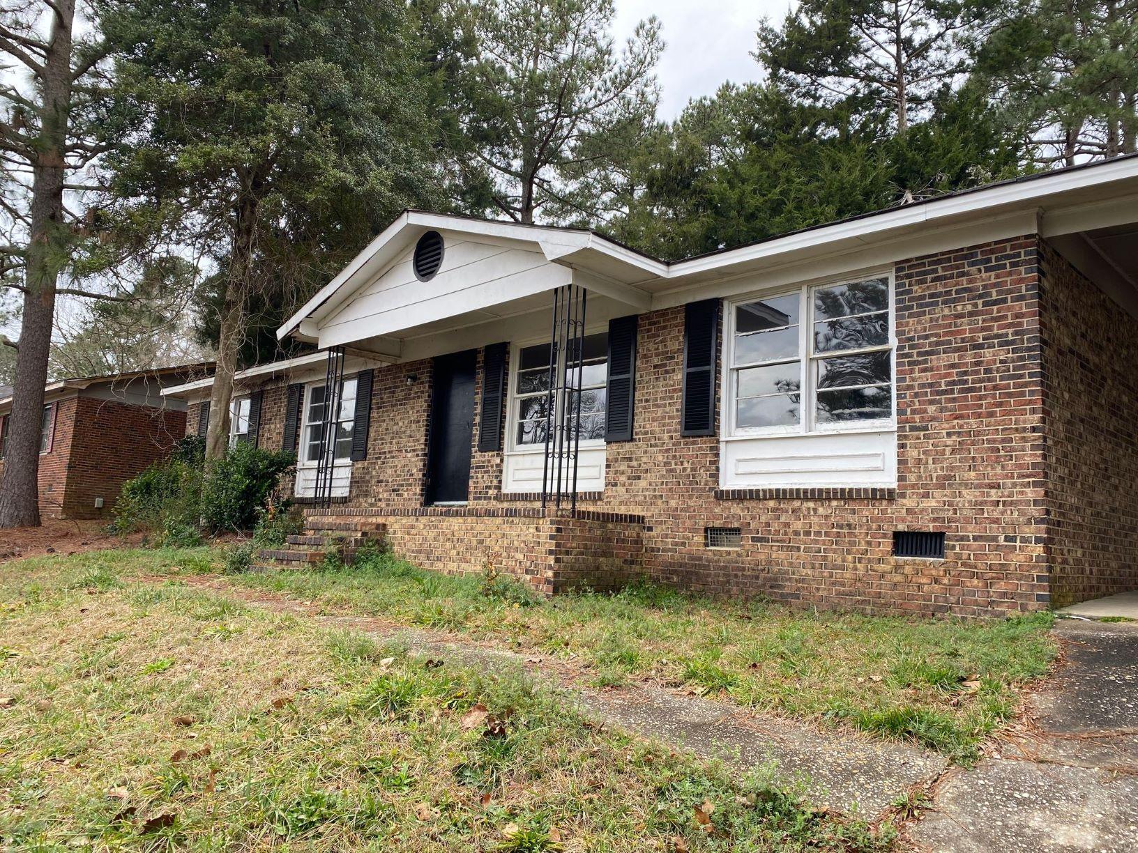 928 Carnegie Dr, Fayetteville, NC