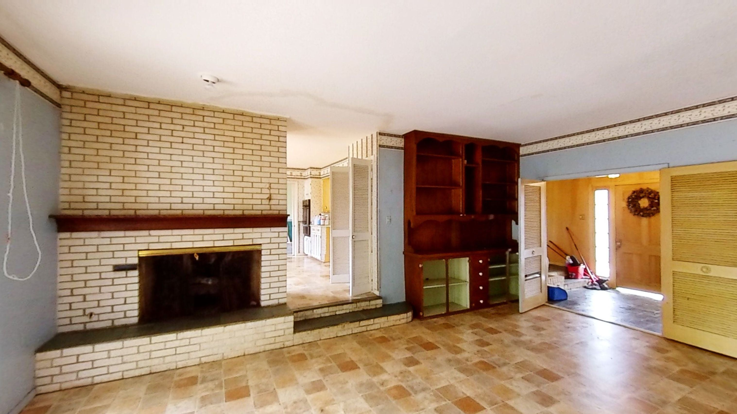 656 College Hill Dr (Image - 2)