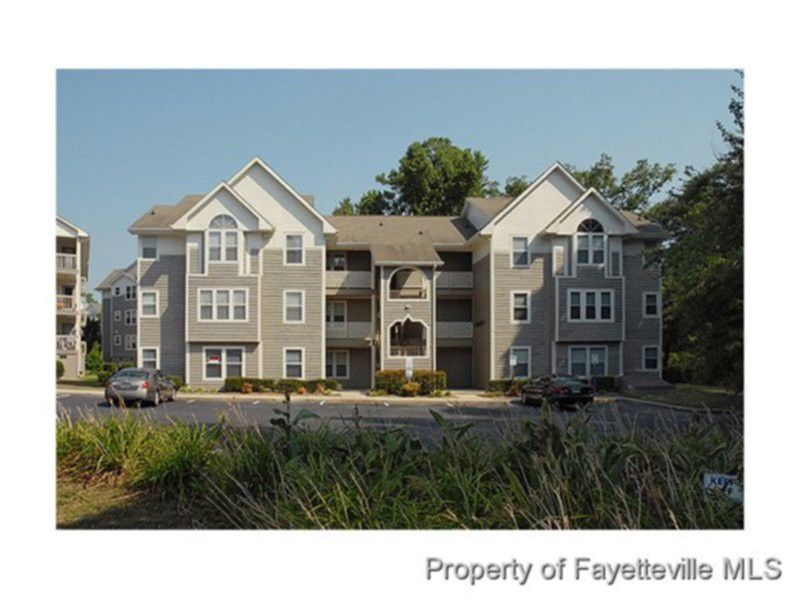 6720 Willowbrook Dr, Fayetteville, NC
