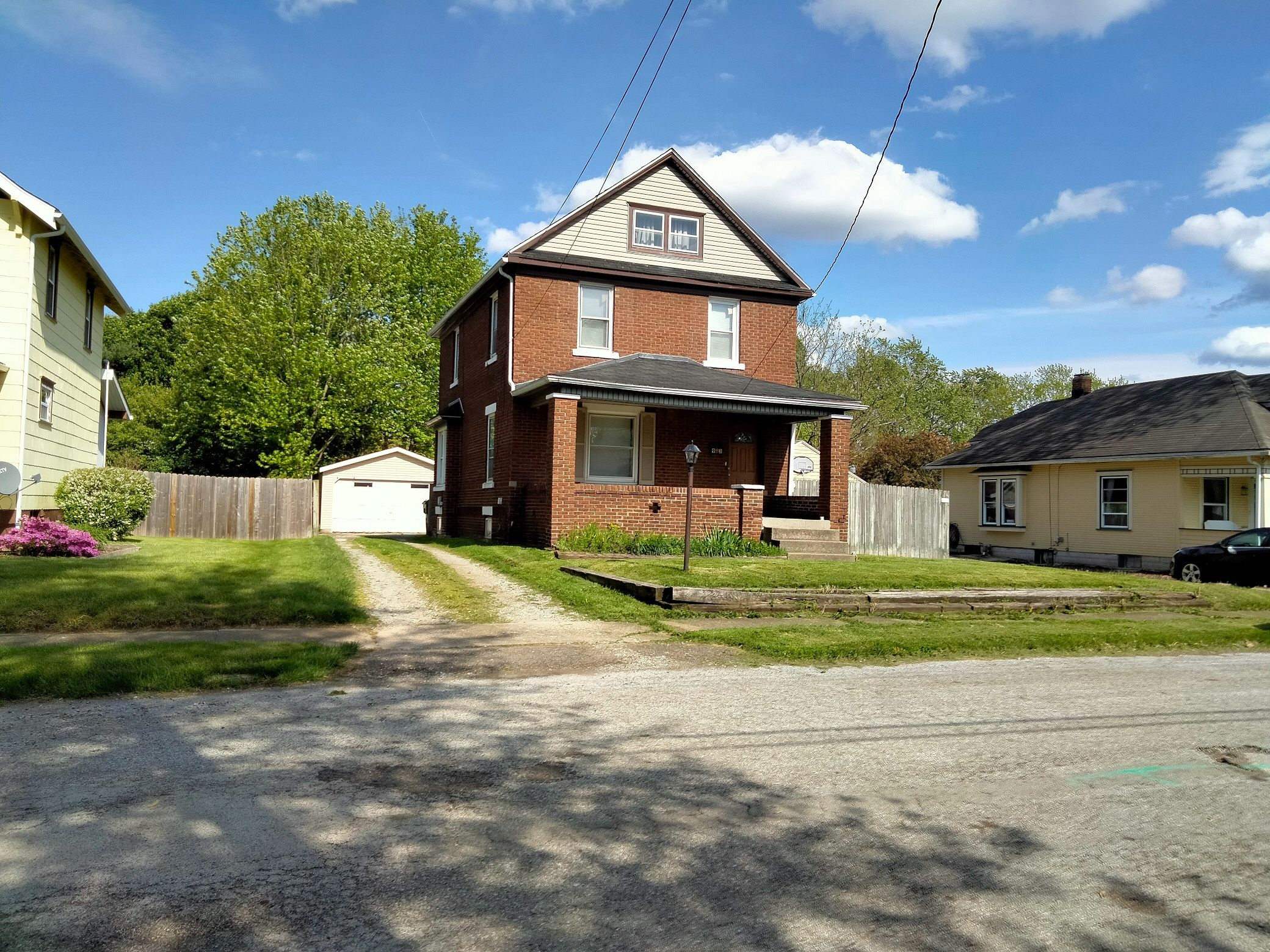 93 28th St NW, Barberton, OH