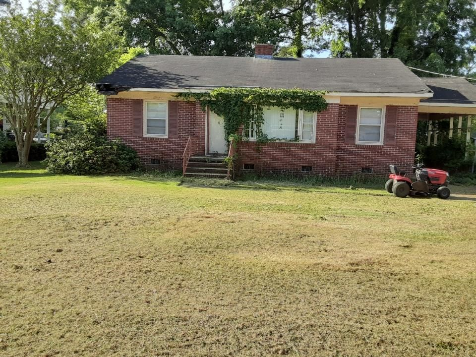 810 Darby Ave, Kinston, NC
